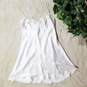 Victoria's secret lingerie/ slip/ Chamies